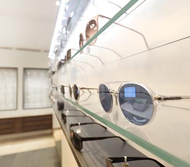 Sonnen- und Sportbrillen